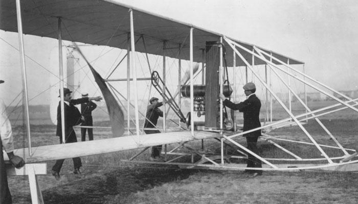 first aeroplane flight
