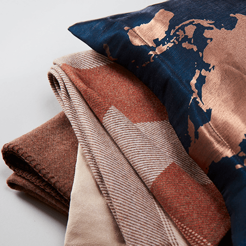 travel blankets for airplanes